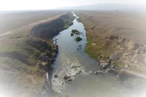 Bârlad_River_near_Muntenii_de_Jos,_Vaslui_county (2)